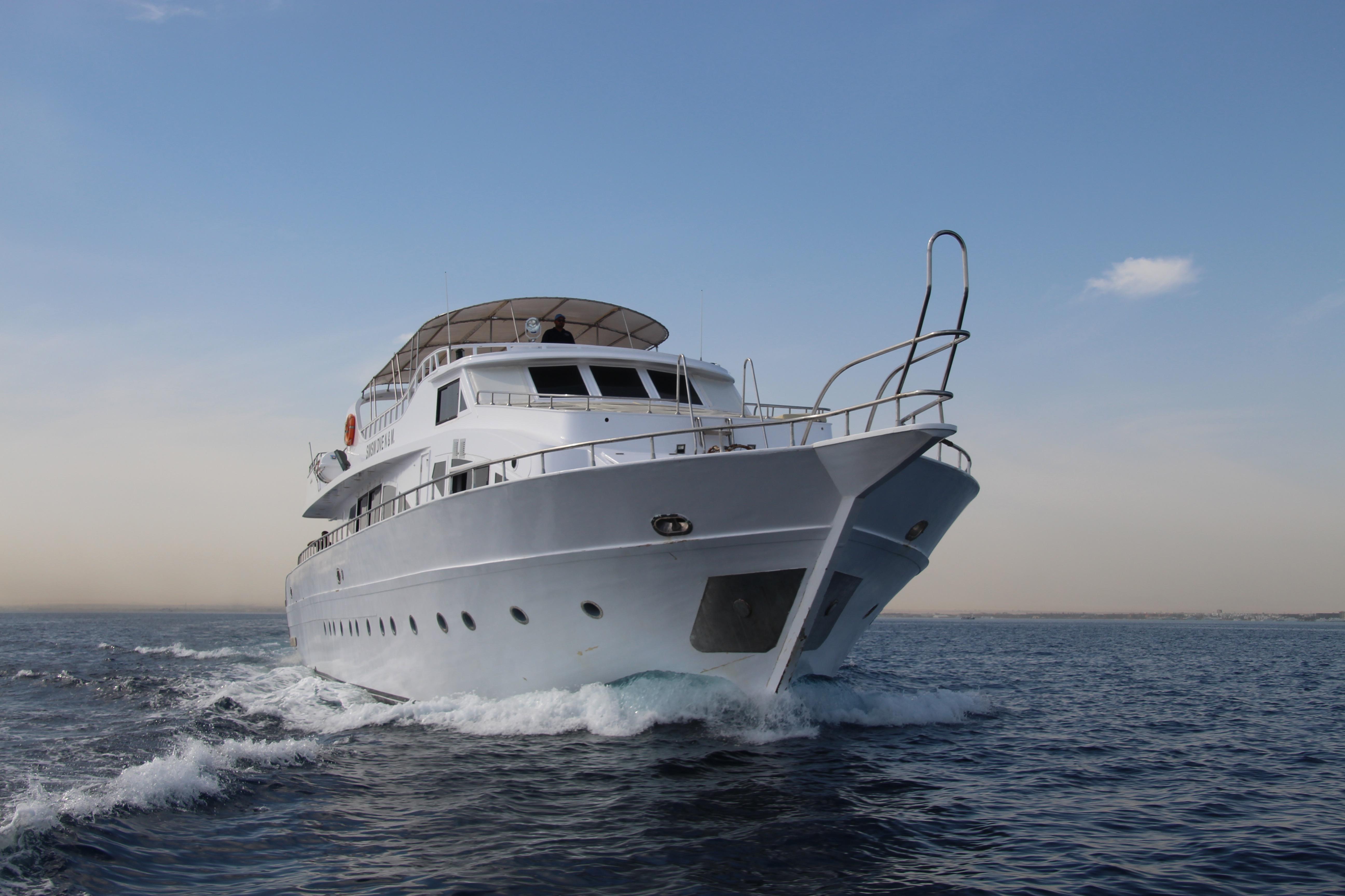 The cruising Yacht
